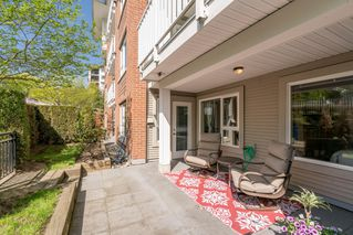 """Photo 1: 110 4723 DAWSON Street in Burnaby: Brentwood Park Condo for sale in """"Collage"""" (Burnaby North)  : MLS®# R2261958"""