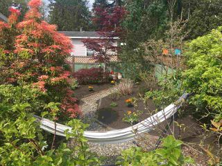 """Photo 3: 32 5575 MASON Road in Sechelt: Sechelt District Manufactured Home for sale in """"MASON ROAD MANUFACTURED HOME COMMUNITY"""" (Sunshine Coast)  : MLS®# R2264697"""
