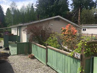 """Photo 2: 32 5575 MASON Road in Sechelt: Sechelt District Manufactured Home for sale in """"MASON ROAD MANUFACTURED HOME COMMUNITY"""" (Sunshine Coast)  : MLS®# R2264697"""
