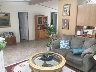 """Photo 4: 32 5575 MASON Road in Sechelt: Sechelt District Manufactured Home for sale in """"MASON ROAD MANUFACTURED HOME COMMUNITY"""" (Sunshine Coast)  : MLS®# R2264697"""