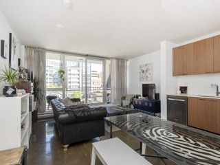 """Photo 4: 513 221 UNION Street in Vancouver: Mount Pleasant VE Condo for sale in """"V6A"""" (Vancouver East)  : MLS®# R2267246"""