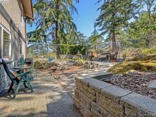 Photo 18: 1000 HIGHROCK Ave in VICTORIA: Es Rockheights Single Family Detached for sale (Esquimalt)  : MLS®# 793140