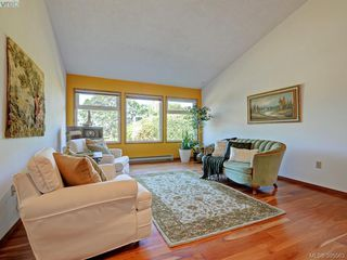 Photo 2: 1000 HIGHROCK Ave in VICTORIA: Es Rockheights Single Family Detached for sale (Esquimalt)  : MLS®# 793140