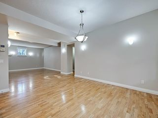 Photo 14: 302 Garrison Square SW in Calgary: Garrison Woods Row/Townhouse for sale : MLS®# C4225939
