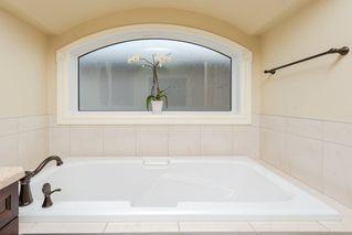 Photo 17: 12156 172 Avenue in Edmonton: Zone 27 House for sale : MLS®# E4144460