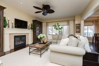 Photo 2: 12156 172 Avenue in Edmonton: Zone 27 House for sale : MLS®# E4144460