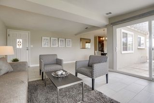 Photo 4: CLAIREMONT House for sale : 4 bedrooms : 4842 Kings Way in San Diego