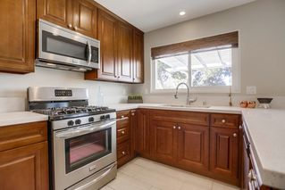 Photo 8: CLAIREMONT House for sale : 4 bedrooms : 4842 Kings Way in San Diego