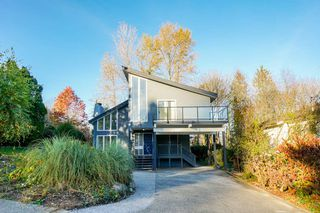 Main Photo: 2975 WICKHAM Drive in Coquitlam: Ranch Park House for sale : MLS®# R2352020