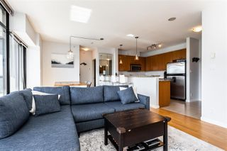 """Photo 4: 602 11 E ROYAL Avenue in New Westminster: Fraserview NW Condo for sale in """"VICTORIA HILL"""" : MLS®# R2353867"""