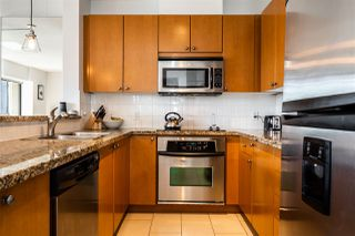 """Photo 6: 602 11 E ROYAL Avenue in New Westminster: Fraserview NW Condo for sale in """"VICTORIA HILL"""" : MLS®# R2353867"""