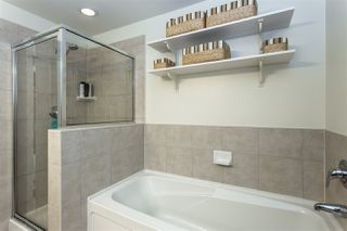"""Photo 12: 602 11 E ROYAL Avenue in New Westminster: Fraserview NW Condo for sale in """"VICTORIA HILL"""" : MLS®# R2353867"""