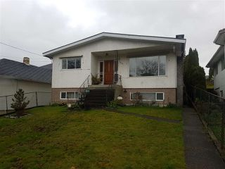 Photo 2: 7272 13TH Avenue in Burnaby: Edmonds BE House for sale (Burnaby East)  : MLS®# R2358219