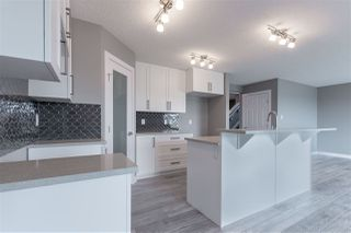 Photo 5: 707 EBBERS Place in Edmonton: Zone 02 House for sale : MLS®# E4152223