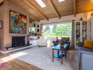 Photo 2: 3853 Livingstone Rd in ROYSTON: CV Courtenay South House for sale (Comox Valley)  : MLS®# 813466