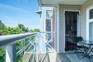 "Photo 5: 309 20245 53 Avenue in Langley: Langley City Condo for sale in ""METRO 1"" : MLS®# R2371361"