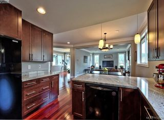 Photo 8: 432 Nursery Hill Drive in VICTORIA: VR View Royal Single Family Detached for sale (View Royal)  : MLS®# 412810
