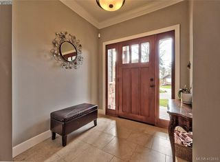 Photo 2: 432 Nursery Hill Drive in VICTORIA: VR View Royal Single Family Detached for sale (View Royal)  : MLS®# 412810