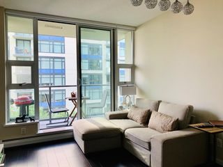 Photo 2: 1010 1708 COLUMBIA Street in Vancouver: False Creek Condo for sale (Vancouver West)  : MLS®# R2385188