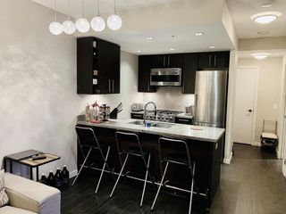 Photo 3: 1010 1708 COLUMBIA Street in Vancouver: False Creek Condo for sale (Vancouver West)  : MLS®# R2385188