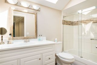 Photo 10: 13281 AMBLE GREENE Place in Surrey: Crescent Bch Ocean Pk. House for sale (South Surrey White Rock)  : MLS®# R2395483