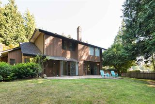 Photo 15: 13281 AMBLE GREENE Place in Surrey: Crescent Bch Ocean Pk. House for sale (South Surrey White Rock)  : MLS®# R2395483
