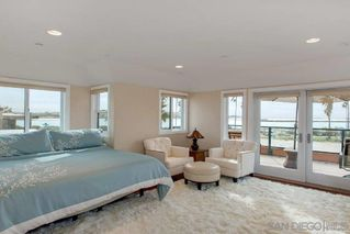 Main Photo: PACIFIC BEACH House for sale : 3 bedrooms : 2636 Ocean Front Walk in San diego