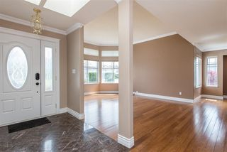 Photo 2: 3303 FIRHILL Drive in Abbotsford: Abbotsford West House for sale : MLS®# R2452579