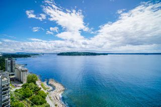 """Main Photo: 1602 1972 BELLEVUE Avenue in West Vancouver: Ambleside Condo for sale in """"WATERFORD HOUSE"""" : MLS®# R2471521"""