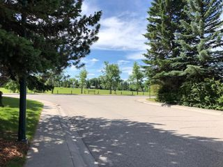 Main Photo: 208 GLAMORGAN Place SW in Calgary: Glamorgan Detached for sale : MLS®# A1010257
