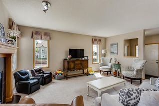 Photo 2: 1701 THORBURN Drive SE: Airdrie Detached for sale : MLS®# A1013012