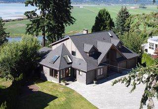 """Main Photo: 13115 CRESCENT Road in Surrey: Elgin Chantrell House for sale in """"Crescent Beach"""" (South Surrey White Rock)  : MLS®# R2478141"""