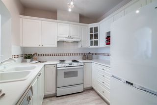 """Photo 9: 424 5735 HAMPTON Place in Vancouver: University VW Condo for sale in """"THE BRISTOL"""" (Vancouver West)  : MLS®# R2480734"""