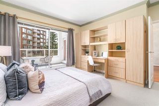 """Photo 11: 424 5735 HAMPTON Place in Vancouver: University VW Condo for sale in """"THE BRISTOL"""" (Vancouver West)  : MLS®# R2480734"""