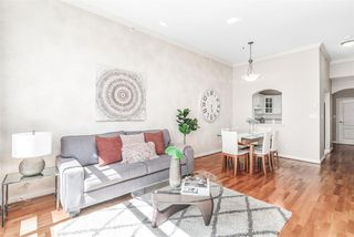 """Photo 3: 424 5735 HAMPTON Place in Vancouver: University VW Condo for sale in """"THE BRISTOL"""" (Vancouver West)  : MLS®# R2480734"""