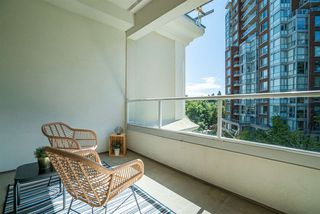 """Photo 18: 424 5735 HAMPTON Place in Vancouver: University VW Condo for sale in """"THE BRISTOL"""" (Vancouver West)  : MLS®# R2480734"""