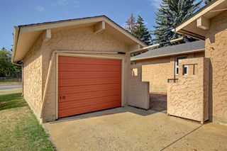 Photo 3: 11844 ELBOW Drive SW in Calgary: Canyon Meadows Detached for sale : MLS®# A1036334