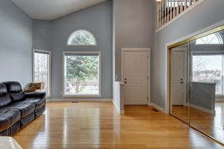 Photo 5: 89 SIDON Crescent SW in Calgary: Signal Hill Detached for sale : MLS®# A1050273