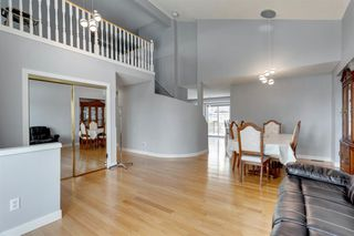 Photo 2: 89 SIDON Crescent SW in Calgary: Signal Hill Detached for sale : MLS®# A1050273