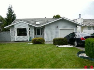 """Photo 1: 15128 20TH Avenue in Surrey: Sunnyside Park Surrey House for sale in """"Southmere"""" (South Surrey White Rock)  : MLS®# F1107379"""
