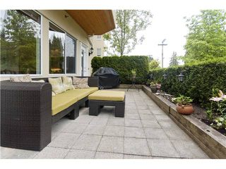 "Photo 1: 102 5626 LARCH Street in Vancouver: Kerrisdale Condo for sale in ""WILSON HOUSE"" (Vancouver West)  : MLS®# V881806"