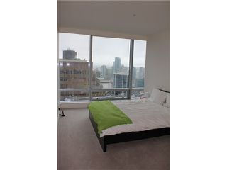 Photo 5: # 3005 1111 ALBERNI ST in Vancouver: West End VW Condo for sale (Vancouver West)  : MLS®# V998159