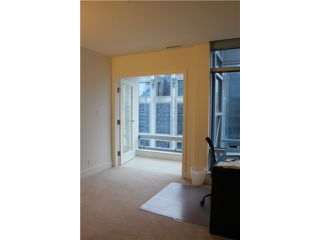 Photo 4: # 3005 1111 ALBERNI ST in Vancouver: West End VW Condo for sale (Vancouver West)  : MLS®# V998159