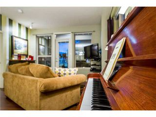 Photo 8: 106 2484 WILSON Avenue in Port Coquitlam: Central Pt Coquitlam Condo for sale : MLS®# V1042729