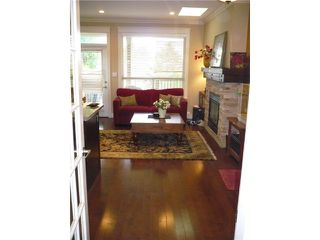 Photo 3: 317 E 5TH Street in North Vancouver: Lower Lonsdale House 1/2 Duplex for sale : MLS®# V1051265