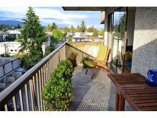 Photo 17: 404 150 E 15TH Street in North Vancouver: Central Lonsdale Condo for sale : MLS®# V1064437