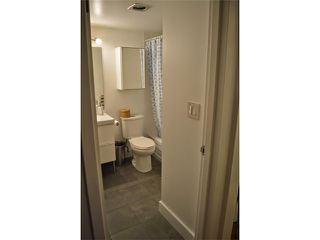 Photo 15: 404 150 E 15TH Street in North Vancouver: Central Lonsdale Condo for sale : MLS®# V1064437