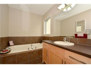 Photo 9: 84 SUNSET Heights: Cochrane Residential Detached Single Family for sale : MLS®# C3620062