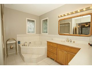 Photo 11: 17306 27A Avenue in Surrey: Grandview Surrey House for sale (South Surrey White Rock)  : MLS®# F1427470