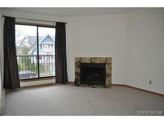 Photo 3: 213 1655 Begbie Street in VICTORIA: Vi Fernwood Condo Apartment for sale (Victoria)  : MLS®# 347022